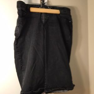 Lee natural fit black denim Capri 18w